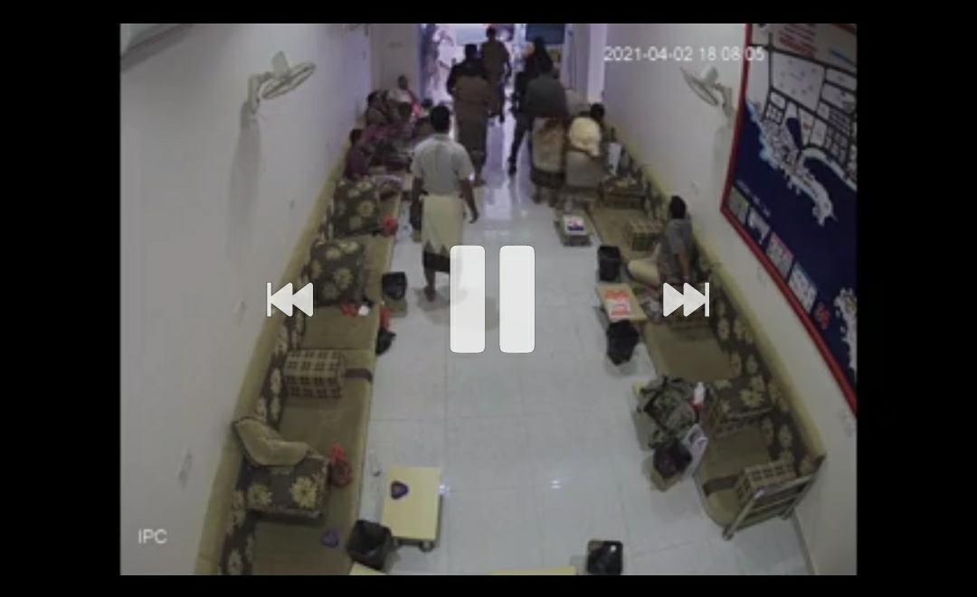 """بالفيديو: المركز الإعلامي لقوات الحزام الأمني يسرد عملية اختطاف التاجر """"الصويدر"""" من قبل العريفة ويصفها بأفلام المافيا"""