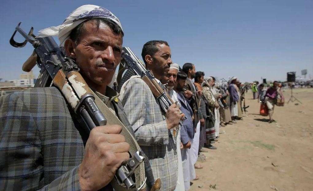الحوثي مهدد بتصنيفه جماعة إرهابية من جديد