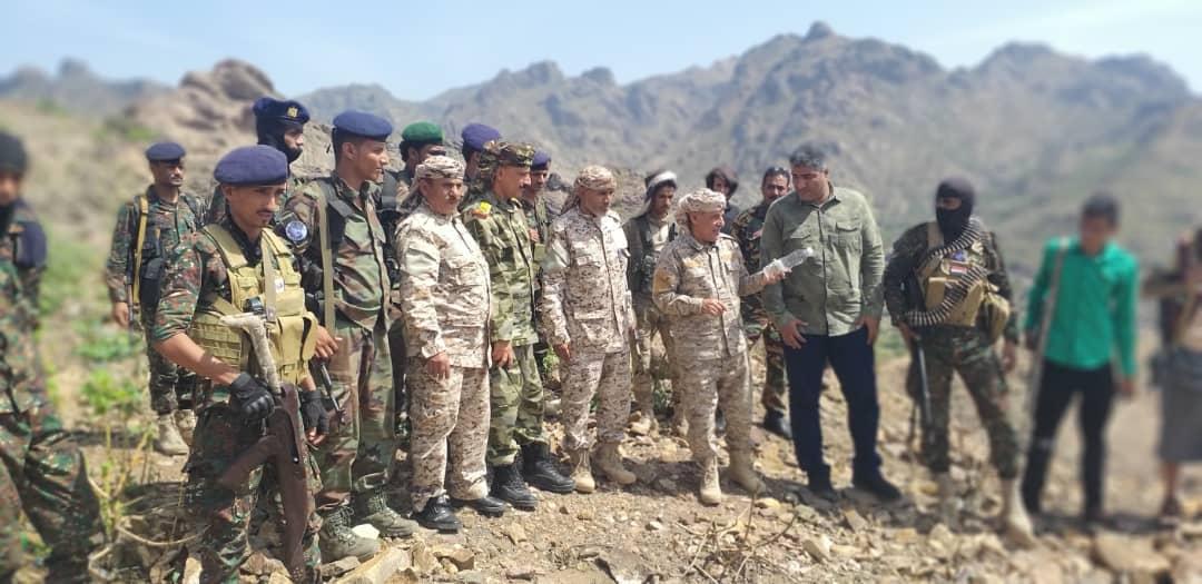 بتكليف من الرئيس الزُبيدي.. هيثم وباعش يتفقدان القوات الجنوبية بمحور الضالع القتالي