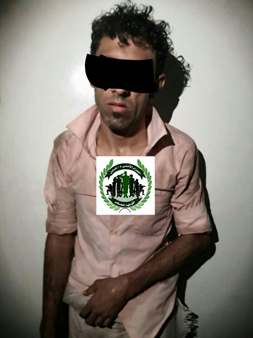 قوات الحزام الأمني تلقي القبض على شخص يقوم بسرقة السيارات في عدن
