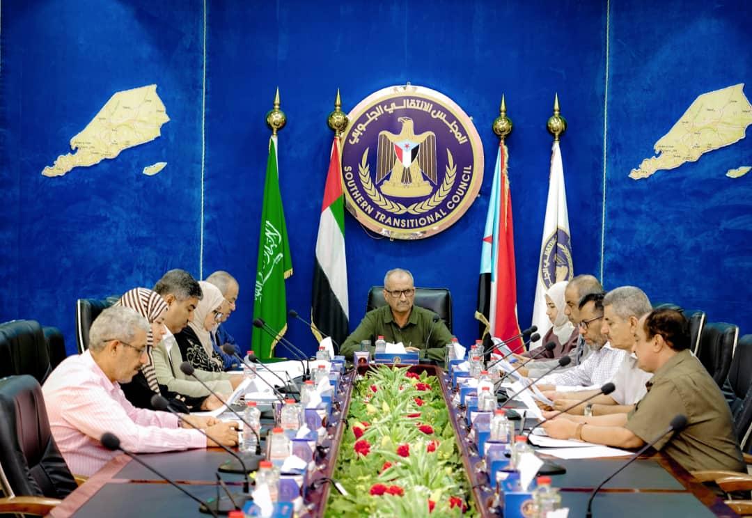 هيئة رئاسة المجلس الانتقالي الجنوبي تؤكد تمسكها بموقفها المُعلن بخصوص القرارات أحادية الجانب