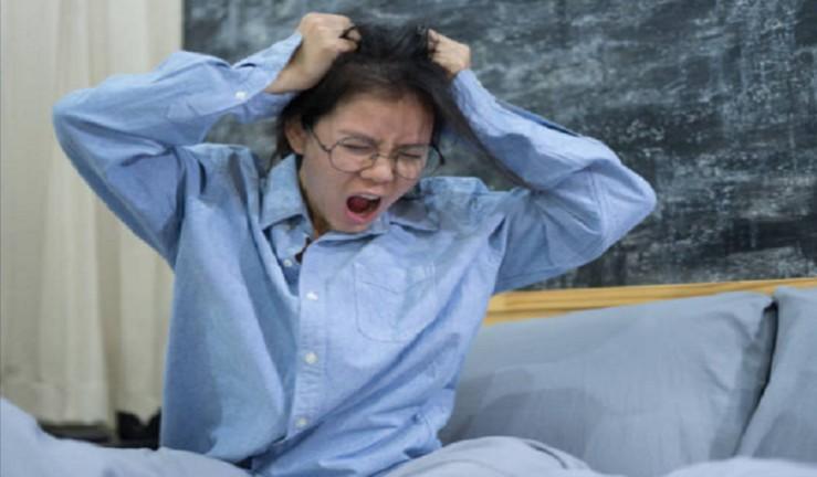 كيف يمكن أن يؤدي النوم أقل من 7 ساعات في الليلة إلى زيادة الوزن