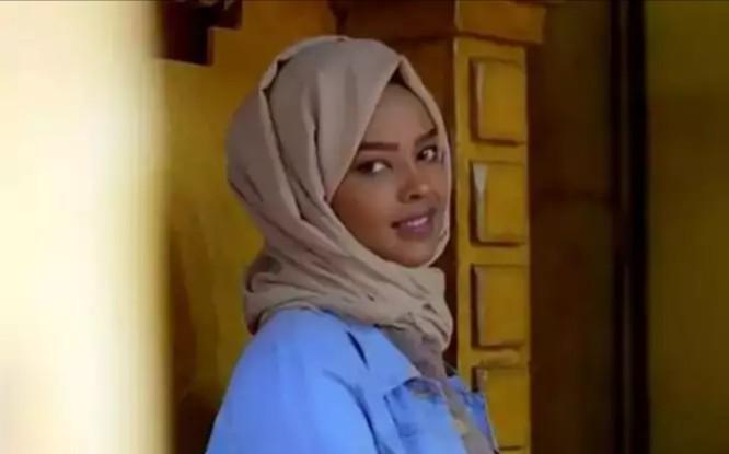 مستجدات طارئة في محاكمة الفنانة الحمادي والسفير البريطاني وأوباما يدخلون بالخط