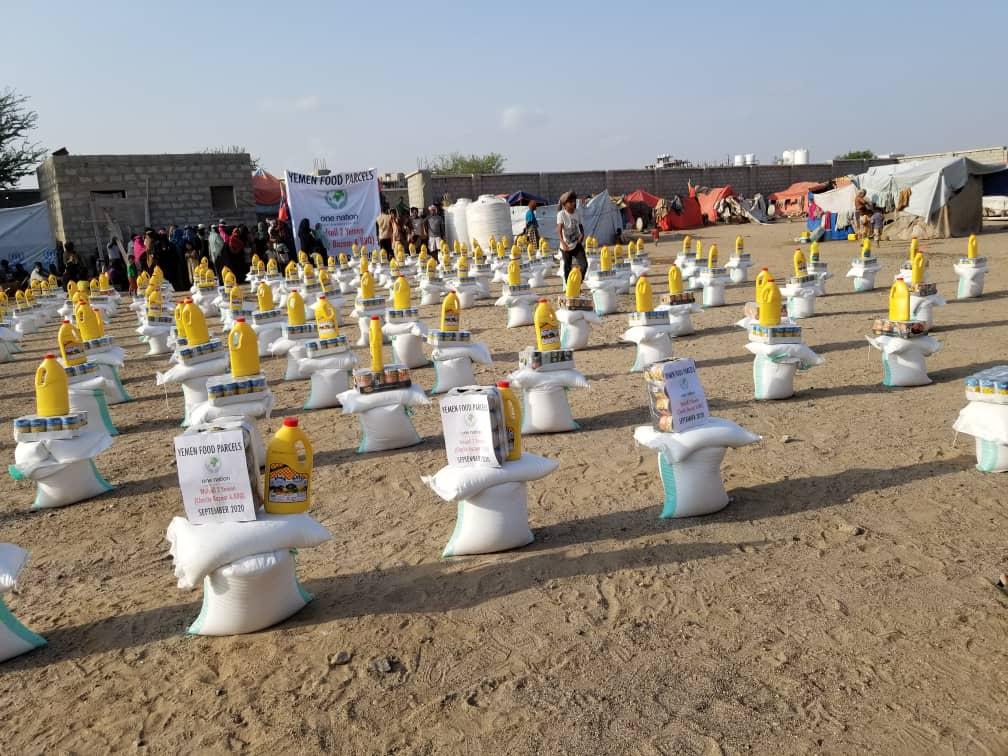 الهاشلي: مؤسسة إنسان كير تغيث مئات الأسر النازحة في البريقة بالعاصمة عدن بأكثر من 500 سلة غذائية