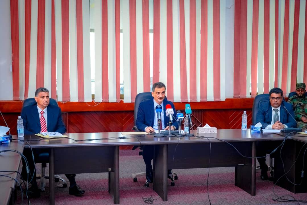 المحافظ لملس يترأس الاجتماع الدوري للمكتب التنفيذي للعاصمة عدن